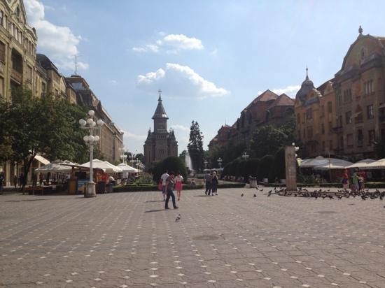 Piata Victoriei : Victory Square