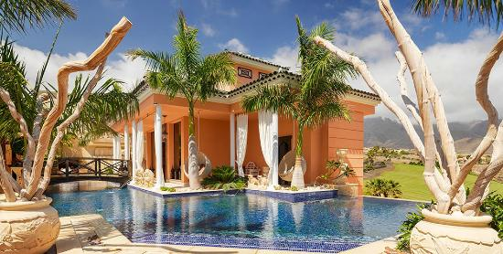 Royal Garden Villas : Recepcion