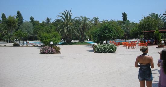 Villaggio Torre del Faro: la zona piscina