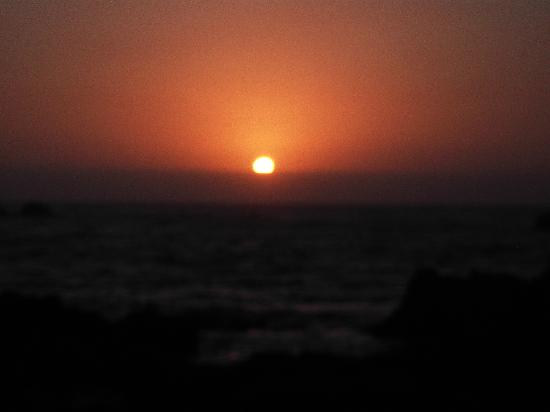 Essaouira Youth Hostel & Social Travel: Sunset from port