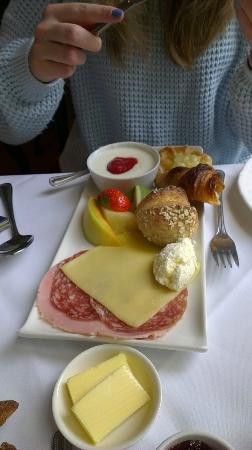 Knockendarroch Hotel & Restaurant : The continental breakfast
