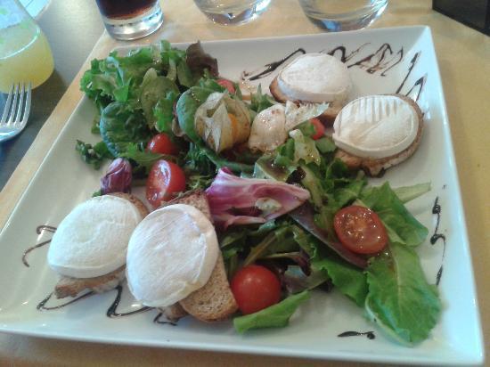 La Table du Sud : Salade chèvre chaud