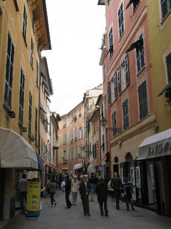 Hotel Genova: Street scene near Bay of Silence