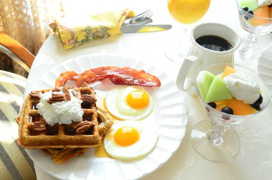 Southern Grace Bed and Breakfast: The best breakfast anywhere!