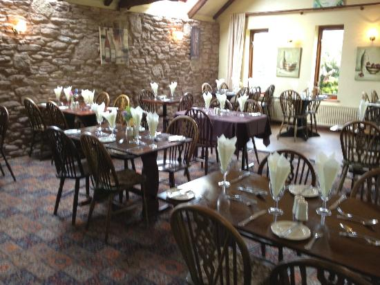 The Three Horseshoes Inn: Main restaurant