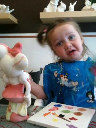 Pots and Pancakes: Painting Minnie Mouse at Pots & Pancakes