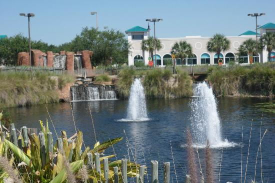 Mighty Jungle Golf, LLC: fountains and waterfall