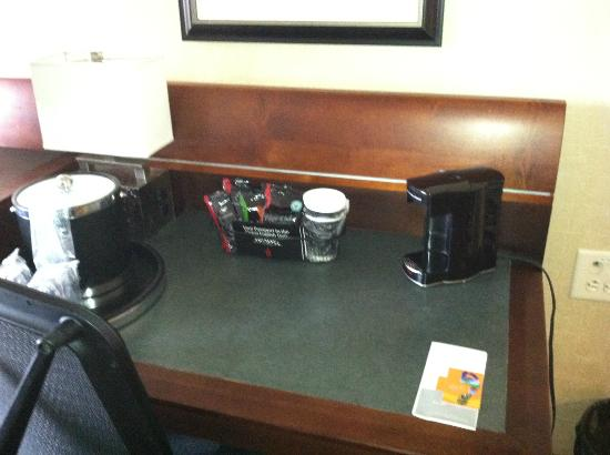 Georgia Tech Hotel and Conference Center: Coffee set up