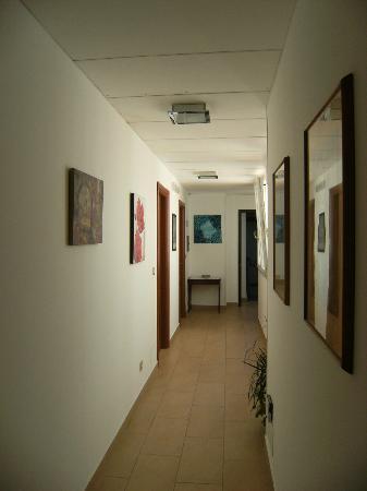 Night&Day: Corridoio stanze