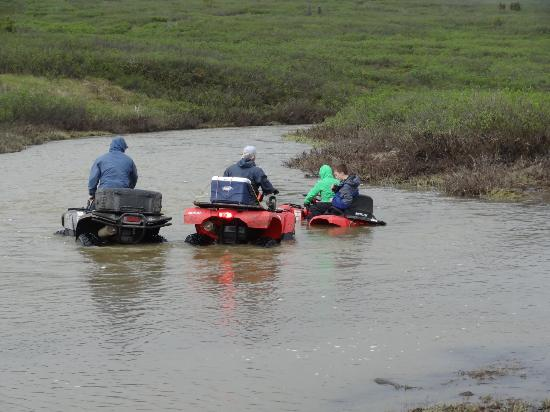 Heiny's ATV Adventures : Marty to the rescue of the swamped machine