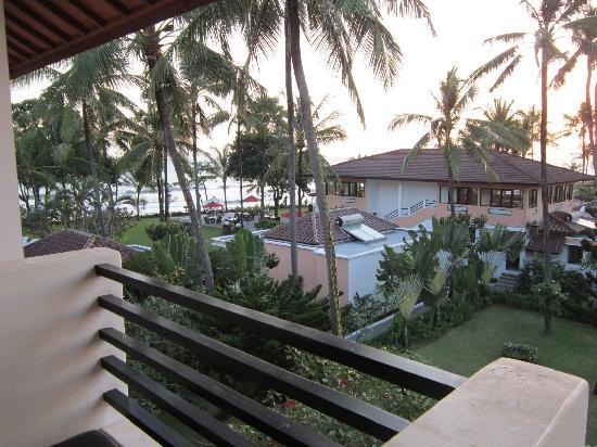 Legong Keraton Beach Hotel: view from balcony - superior room