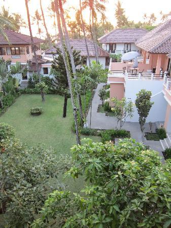 Legong Keraton Beach Hotel: view from balcony