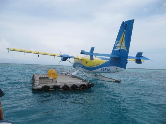 Coco Palm Dhuni Kolhu: transfer from plane to boat/dhoni