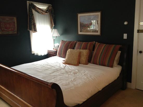 The Clarkeston: Harry Belmont Room