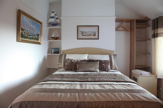 Langdale House: Fowey Room