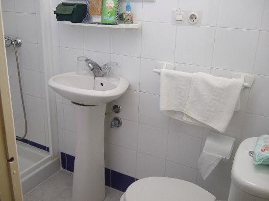 Hostal Tranvia: baño