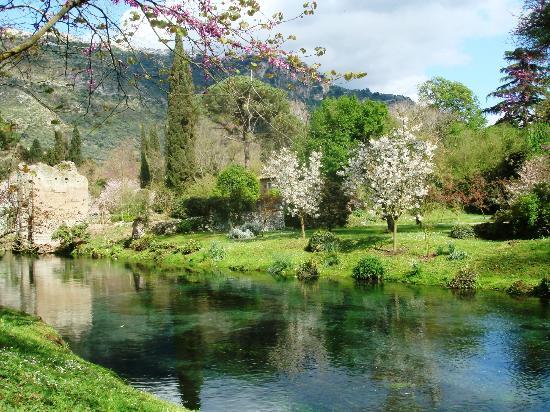 Giardino di Ninfa - Monumento Naturale: Parco di Ninfa
