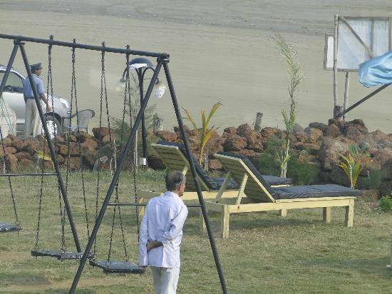 Hotel Sonar Bangla - Mandarmoni: sun bath area