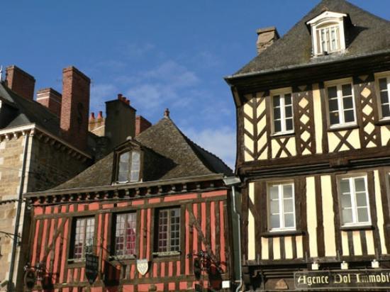 Centre ville dol de bretagne picture of akena city dol - Piscine a dol de bretagne ...