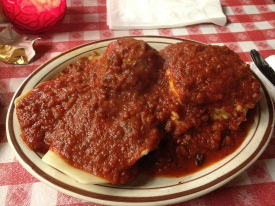 Filippi's Pizza Grotto: Lasagna and ravioli combo - easily a two person meal