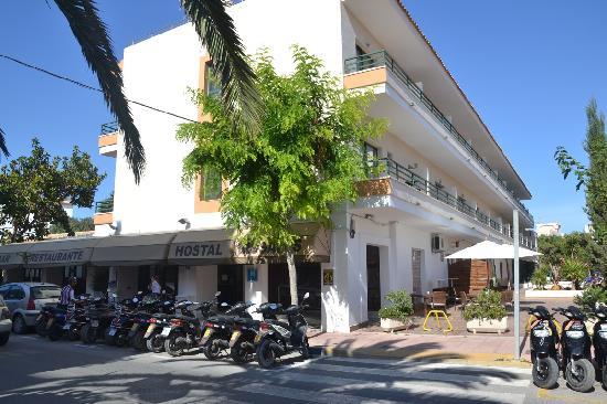 Hostal Rosales: Il lato verso l'interno dell'isola (sole e caldo tutto il giorno!!)