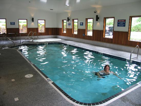 Travelodge Campbell River: Pool & hot tub