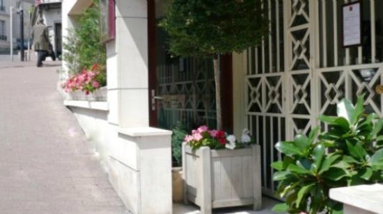 Paris Saint-Cloud Hotel : entrée principale