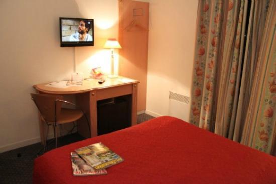 Paris Saint-Cloud Hotel : chambre