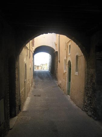 Cagnes-sur-Mer, France: One of the ancient streets