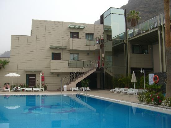 Ska Diamond Apartaments : La vista general del complejo, nuevo y limpio