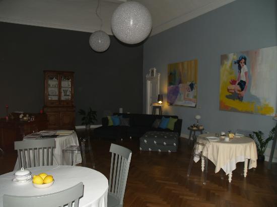 Il salone centrale di Casa Fenoglio a Ventimiglia