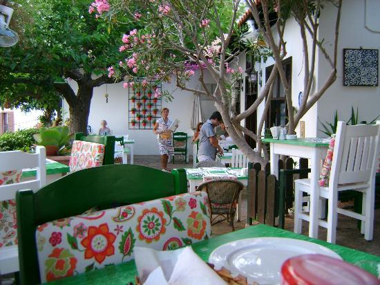 Bi Lokma Restaurant: bahçe