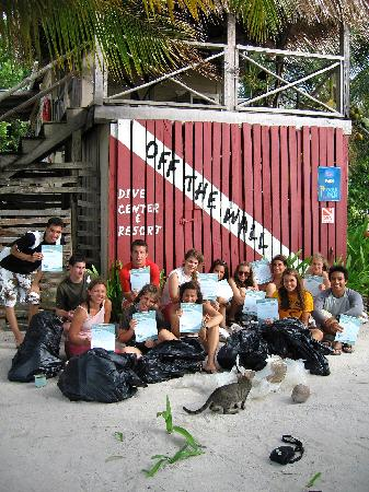 Off The Wall Dive Center & Resort : PADI Project Aware Reef Clean up