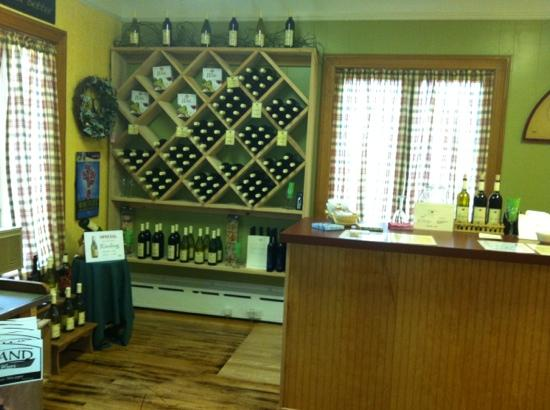 Heartland Inn and Cafe: Wine Shop