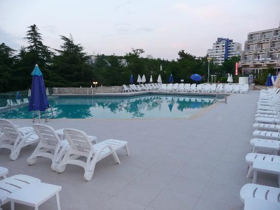Hotel Laguna Mediteran: the pool