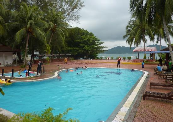 Puteri Bayu Beach Resort: Great pool area
