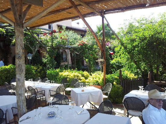 Relais Villa Caprile: ristorante estero