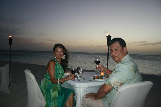 Passions on the Beach: Menu de comida y vinos muy buena!