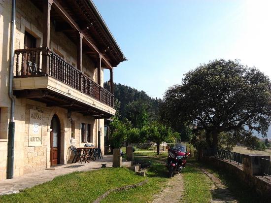 Hotel rural Haras Aritza: Parte delantera, Zona de las tertulias