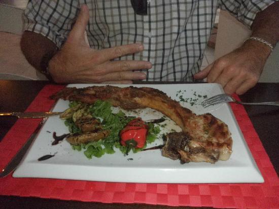Sunday Life : The delicious pork chop grilled to perfection
