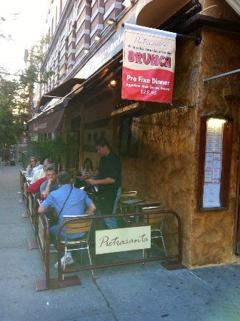 Pietrasanta Restaurant : Pietrasanta outdoor tables
