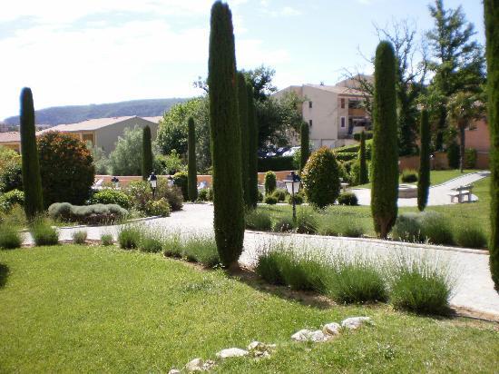 Résidence Odalys La Licorne de Haute-Provence : le parc