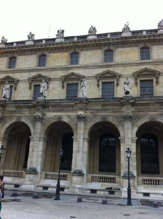 Hotel du Lion d'Or Louvre : louvre