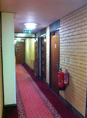 Cedar Court Hotel: corridor 1st floor near gym