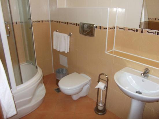 Old Port Hotel: Bathroom