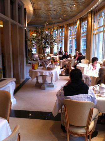The Connaught: Breakfast room (Esplette)