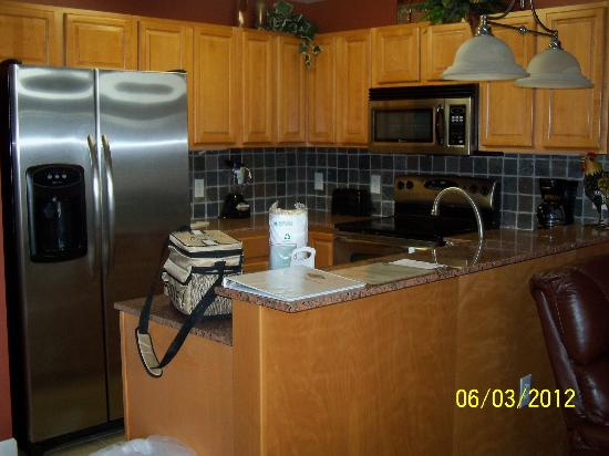Elk Springs Resort: kitchen