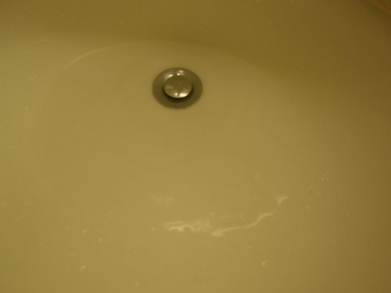 Fairfield Inn & Suites Idaho Falls: sink did not drain