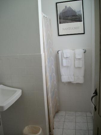 Anchor Inn: small bathroom (just shower, toilet & sink)