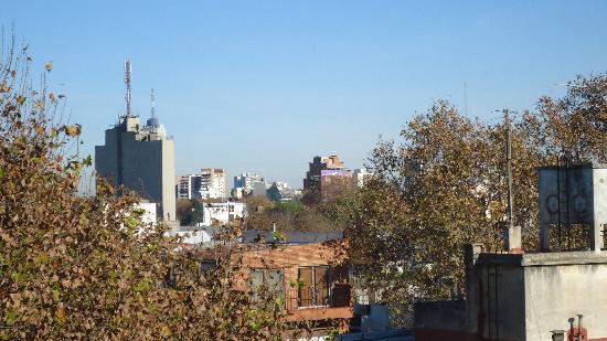 The Glu Hotel: Vista do deck superior (sentido Godoy Cruz) - folhas de outono...